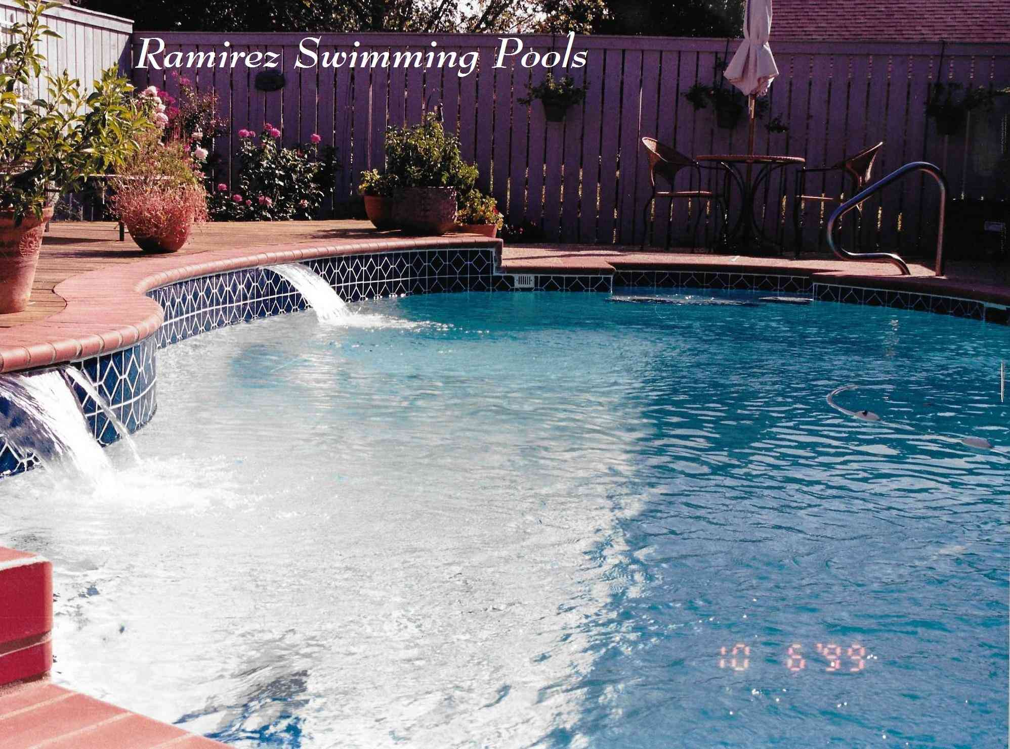 swimming_pool_water_features.jpg